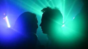 Россиянам моложе 21 года предложили запретить посещать бары и клубы ночью