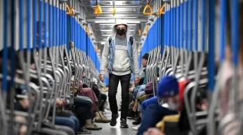 Академик Покровский объяснил, на каком расстоянии от метро уже нужна маска