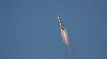 Экипаж  Шэньчжоу-12  перешел в основной отсек орбитальной станции